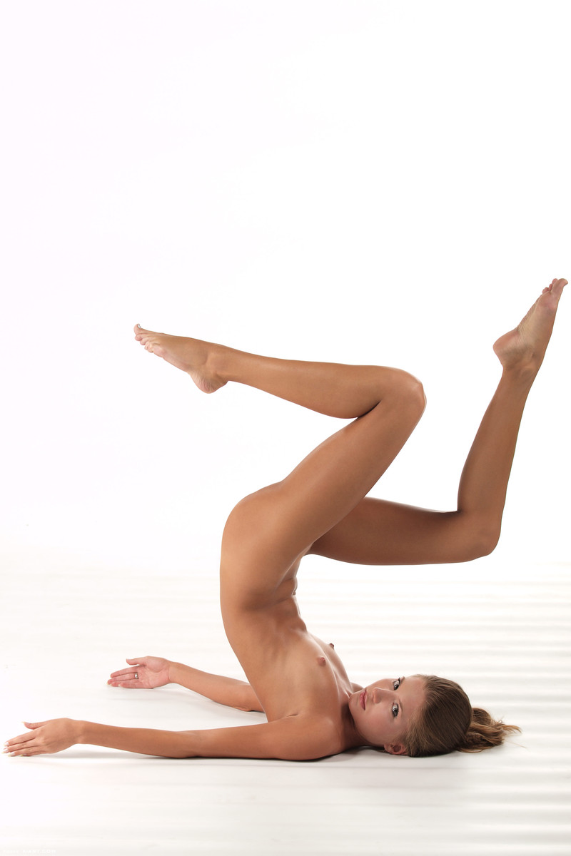 x-art_sofia_flexible_ballerina-17-sml